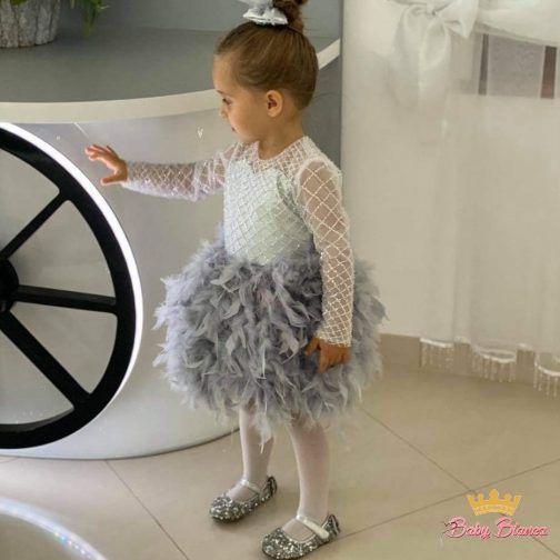 Sukienka z piór- córka